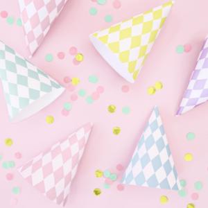 Coifuri petrecere culori pastelate